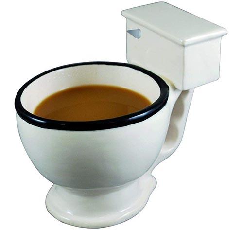 taza de café de inodoro